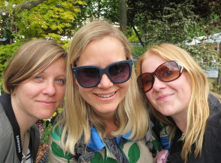 London2015-Chelsea-flowershow-Anna-Emma-jag