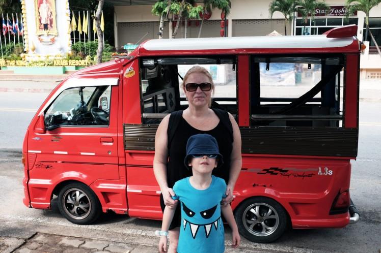 Thailand-Noppharathara-beach-taxi2