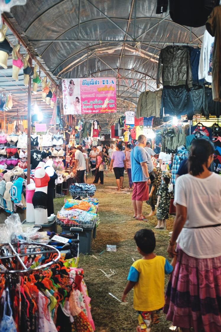 KohLanta2016-KlongDao-marknad1