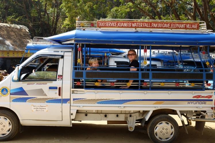 tuktuk-laos