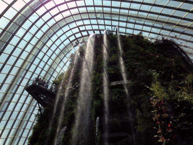 Singapore_Gardens_cloudforrest-vattenfall