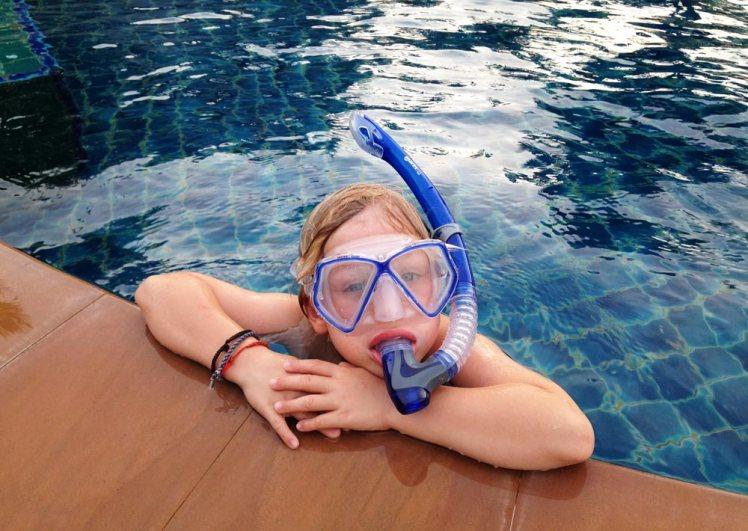 snorkla-i-poolen-kohlanta