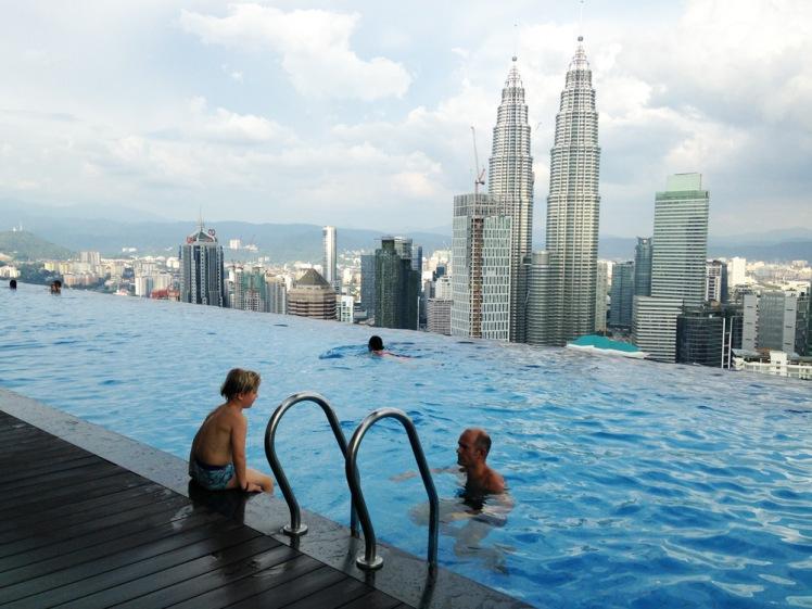 KualaLumpur-lagenheten9-pool