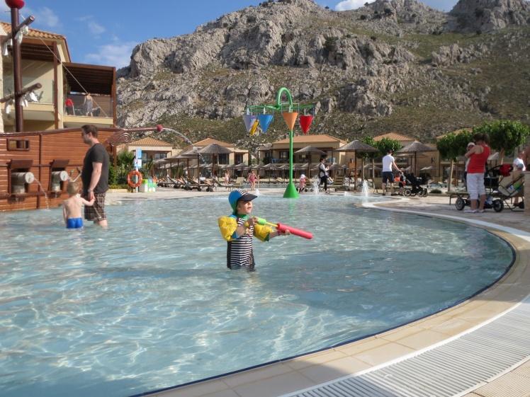 Rhodos-hotellet4-barnpoolen