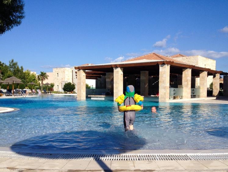 Rhodos-hotellet6lillapoolen
