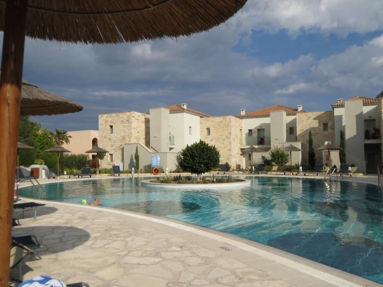 Rhodos-hotellet8lillapoolen