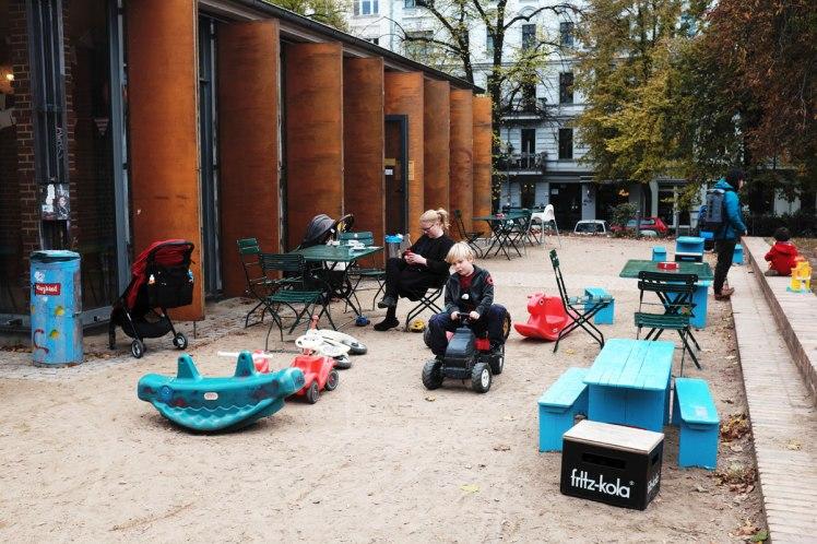 Berlin-barncafe_KiezKind-red.jpg