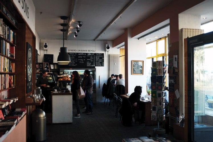 Berlin-Friedrichshain-cafe