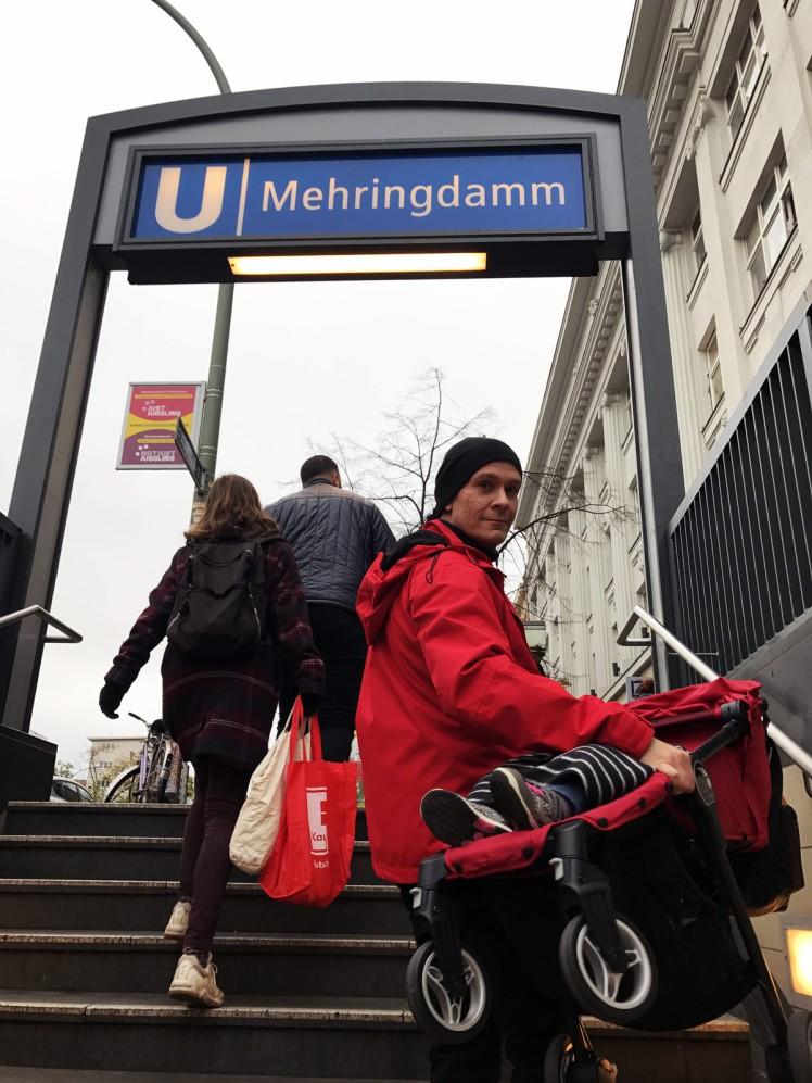 Berlin-tunnelbana-barnvagn-1