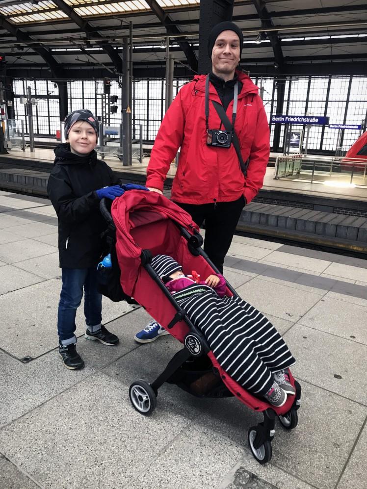 Berlin-tunnelbana-barnvagn-3-tag-station