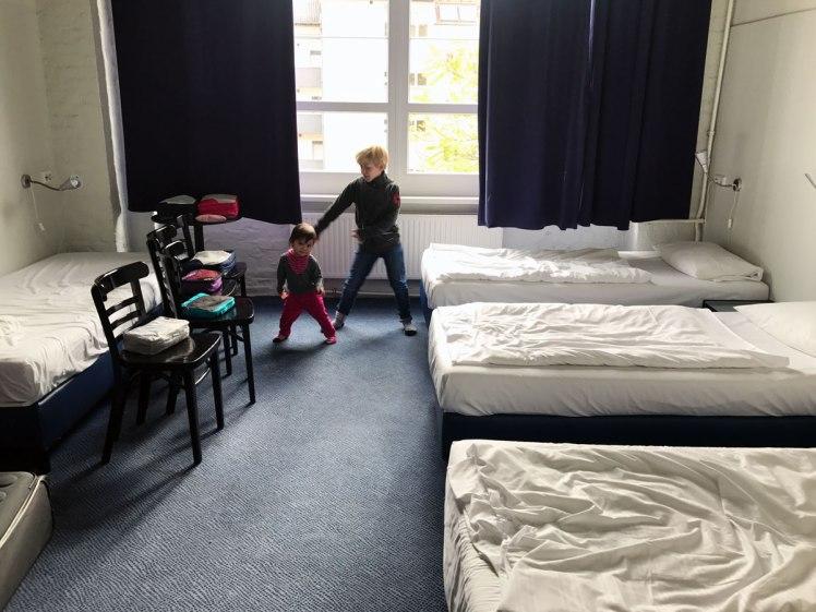 Berlin-HotelTransit-rum-hotellrum1