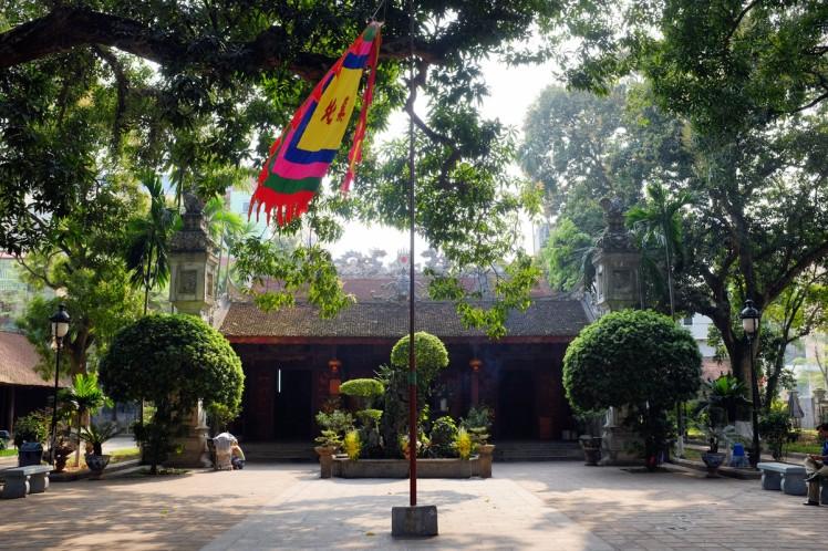 hanoi-quanthanh-temple-10
