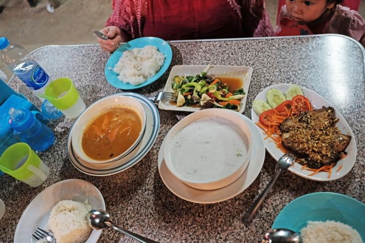 KohLanta-KlongNin-strand20-restaurang