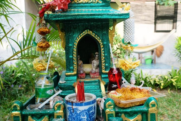 Timeforlime-bungalow10-tradgard-altare